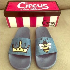 """Circus by Sam Edelman """"Queen Bee"""" slides size 6"""